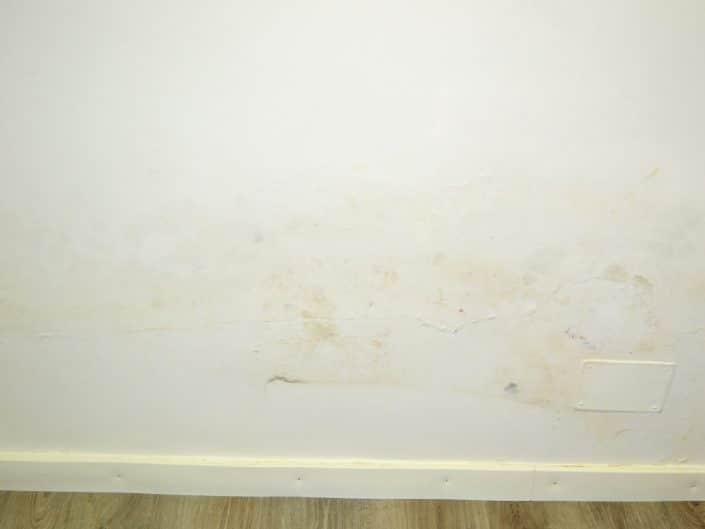 manchas de humedad en pared