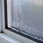 Cómo aislar una ventana corredera